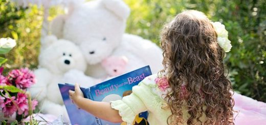 little-girl-reading-912380__340
